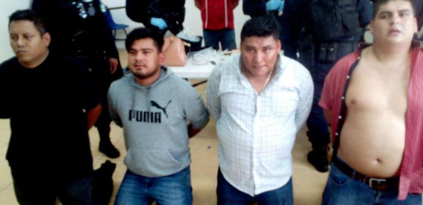 Presentan ante la AEI a asaltantes de banco en Oaxaca; provienen de Veracruz, Tabasco y Chiapas.